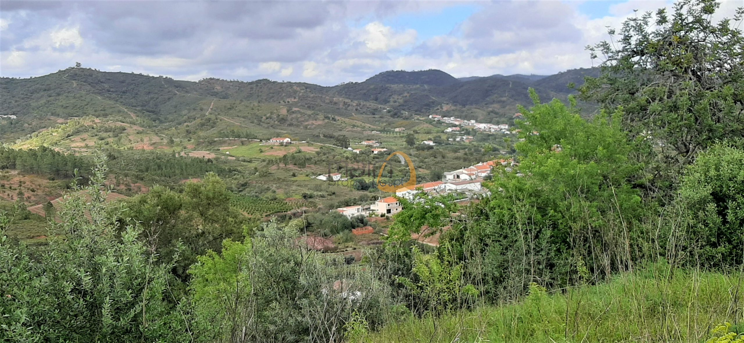 Urban land for housing construction near Alte
