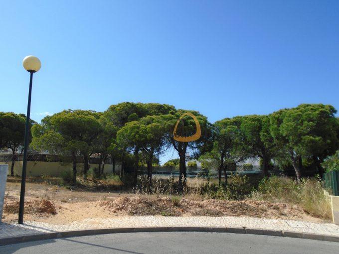 MainProperties :: Terreno para construção de moradia com 641 m2 nas Varandas do Lago :: PC282