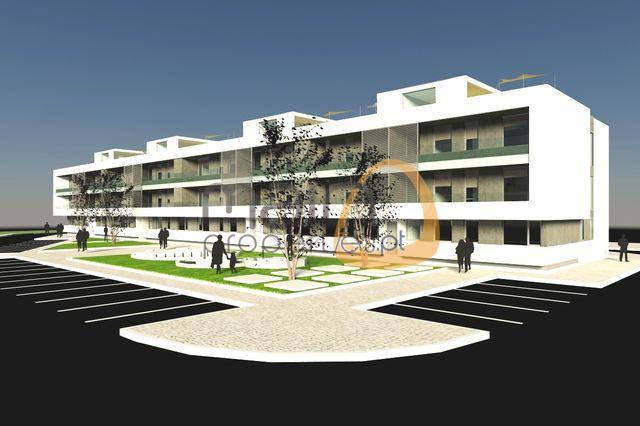 Apartamento novo no último andar com 3 quartos e próximo de Faro.