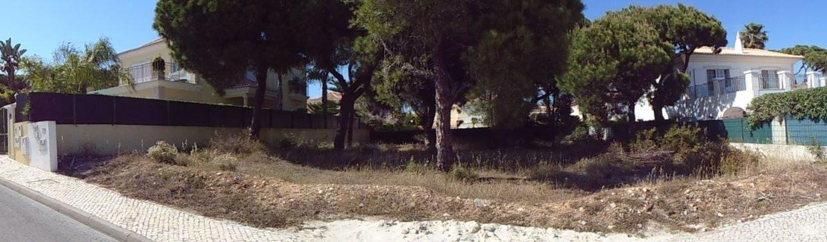 Terreno para construção de moradia com 400m2, em Varandas do Lago PC284