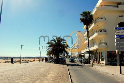 Apartamento novo com 2 quartos em primeira linha da praia de Quarteira PC332