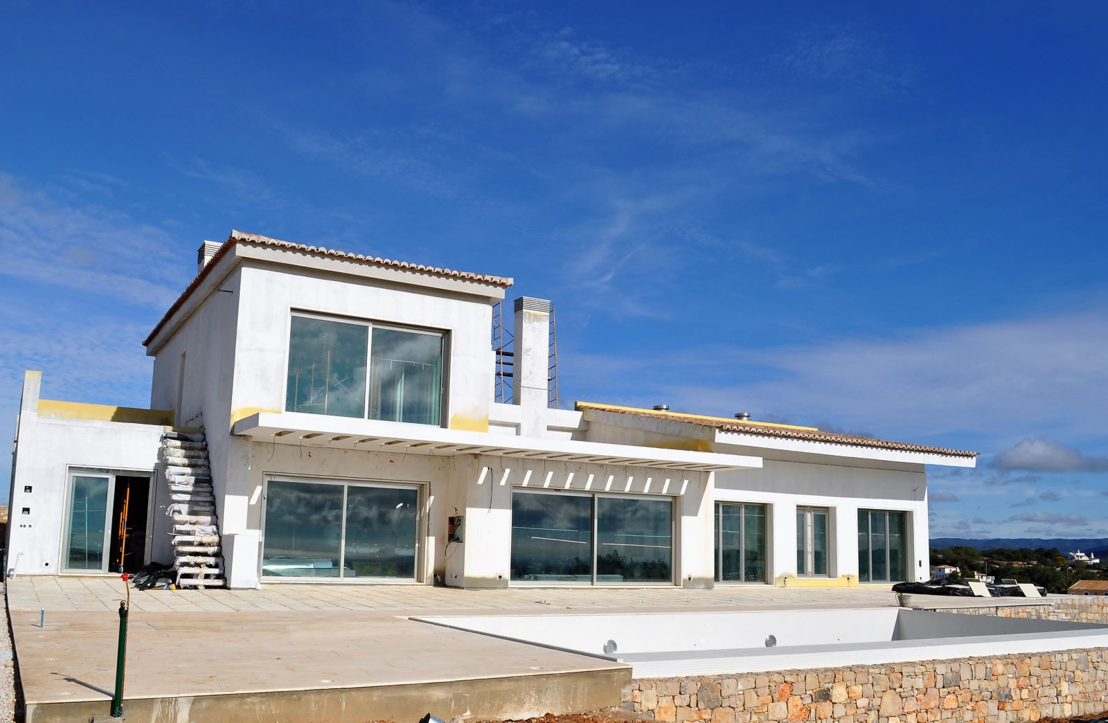 New Villa with 5 bedrooms with sea view near Loulé