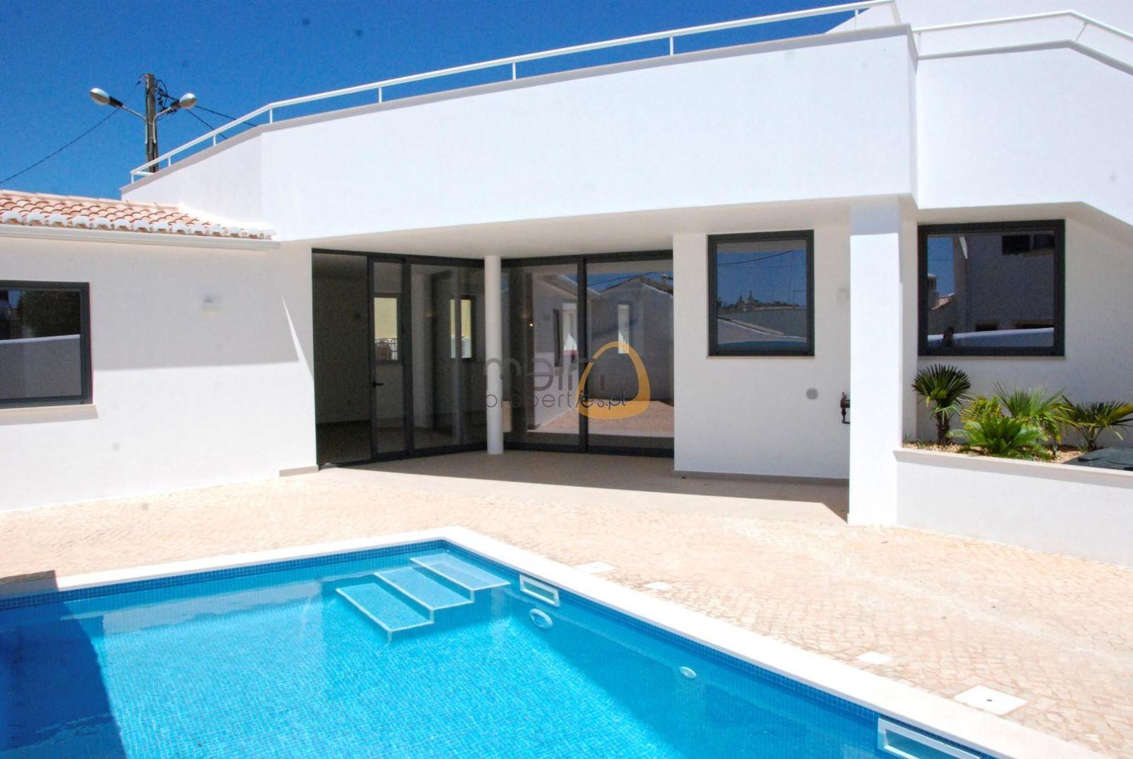 Moradia nova com 3 quartos, piscina próxima de Lagos PC335