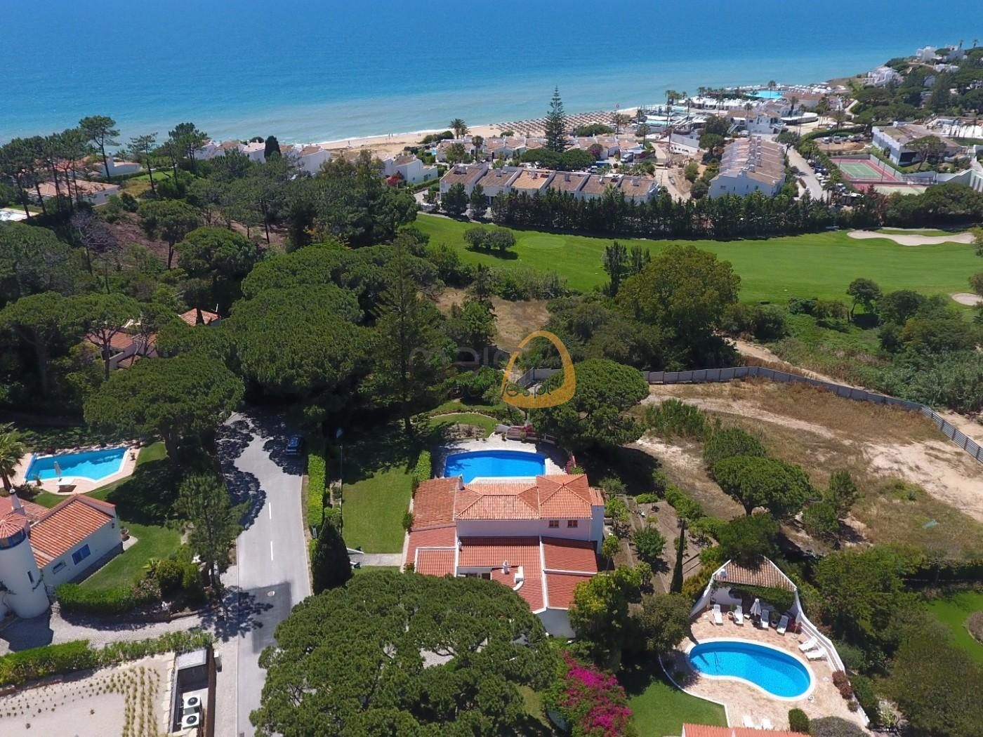 Villa with 5 bedrooms near the beach of Vale do Lobo