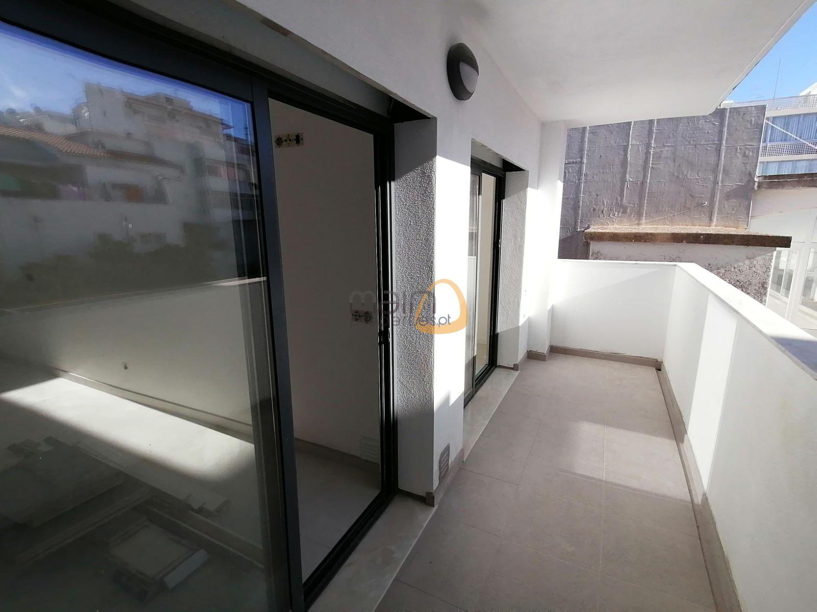 Apartamento com 2 quartos em construção no centro de Loulé PC326