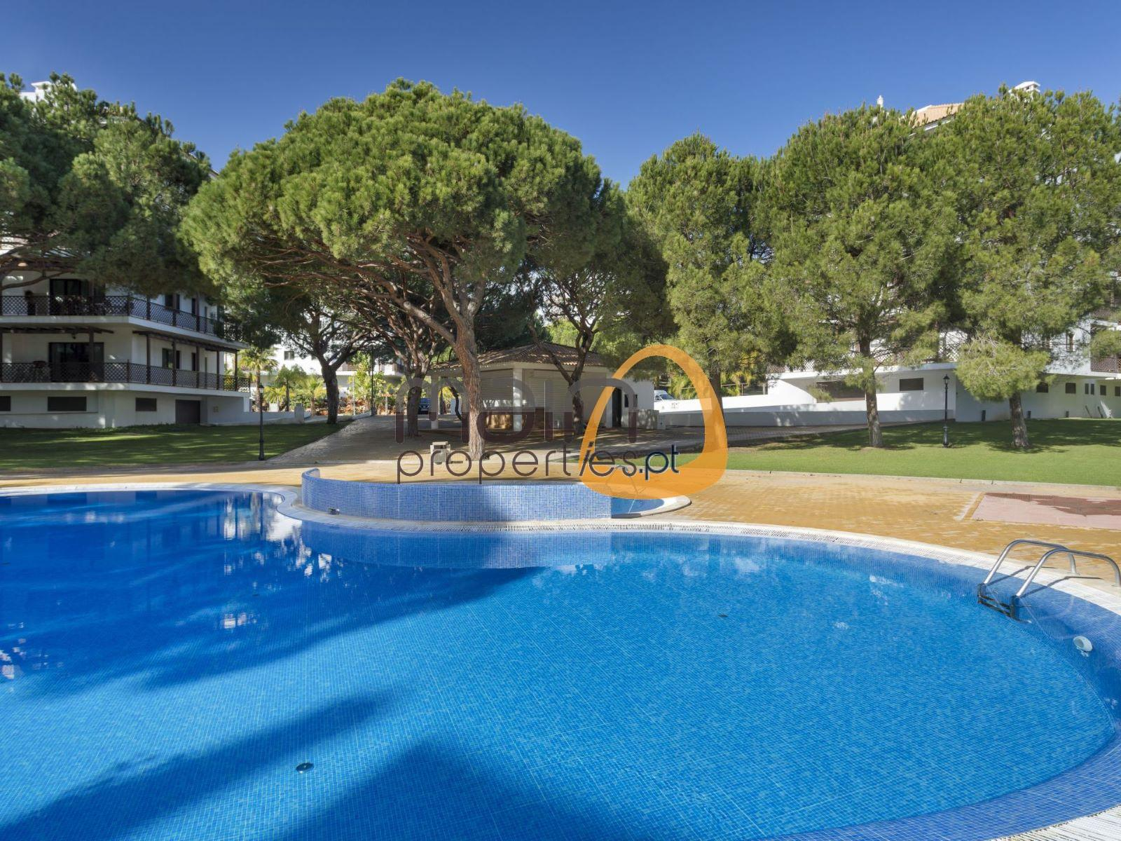 Luxury 2 bedroom apartment with pool near the beach in Albufeira