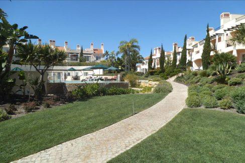 Moradia com 4 quartos em condomínio privado em Vila Sol RU073ZA