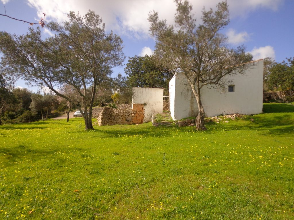 Land for construction of villa with sea view in Loulé