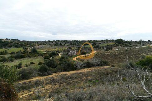 Terreno com 10 hectares e ruína próximo de Algoz PC303