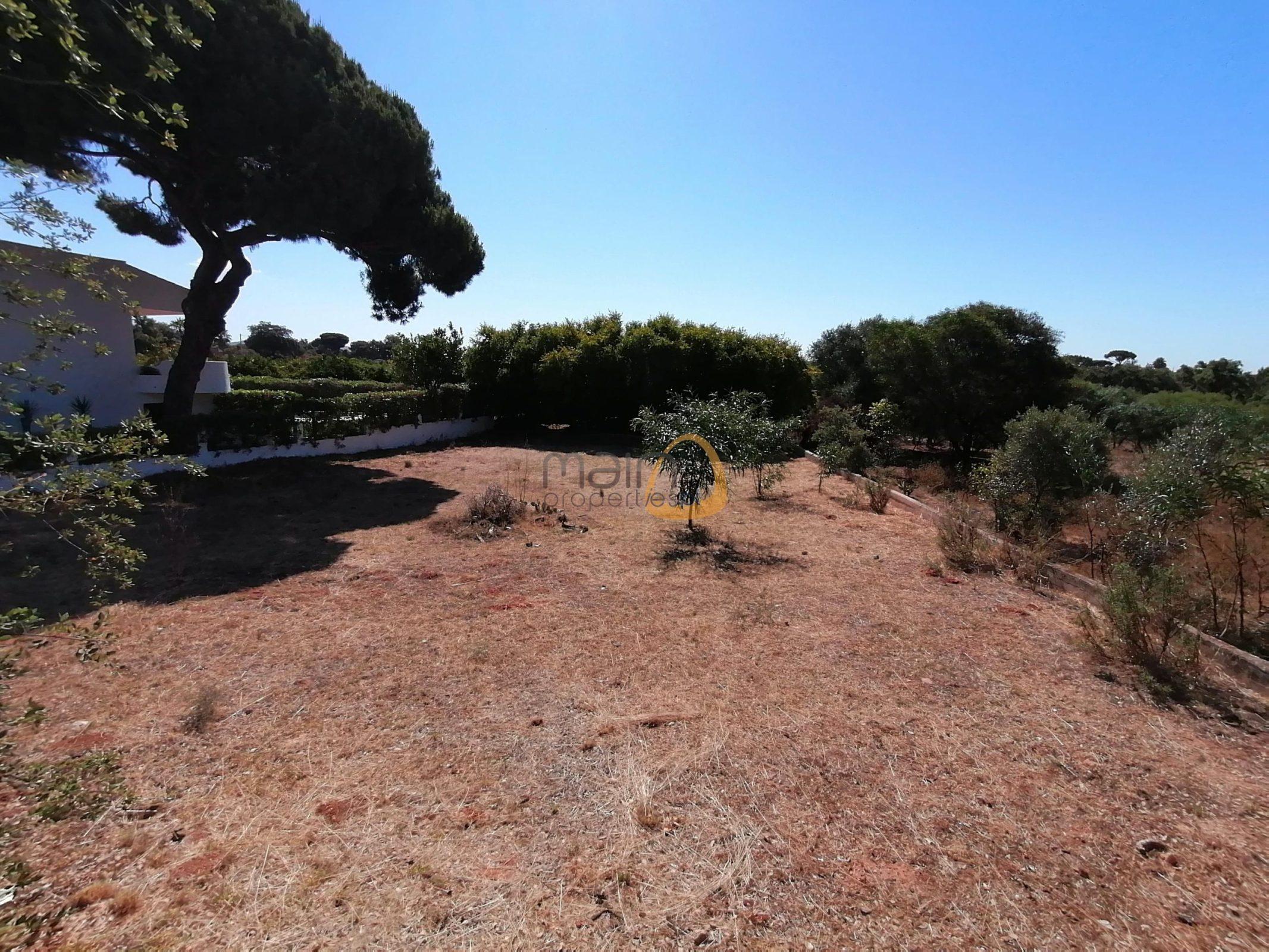 Land for construction near Quarteira