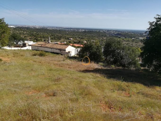 2 lotes de terreno para construção de 2 moradias com vista mar próximo de Santa Bárbara de Nexe :: PC346