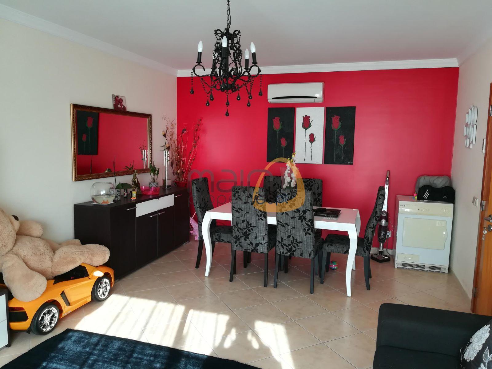 Apartamento com 2 quartos como novo no centro de Almancil