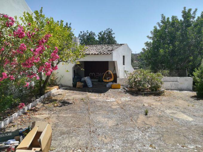 Moradia tradicional com 5 quartos em Querença :: PC350