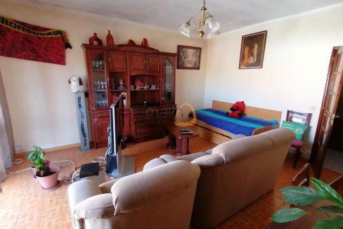 OPORTUNIDADE - Moradia com 5 quartos, com 2