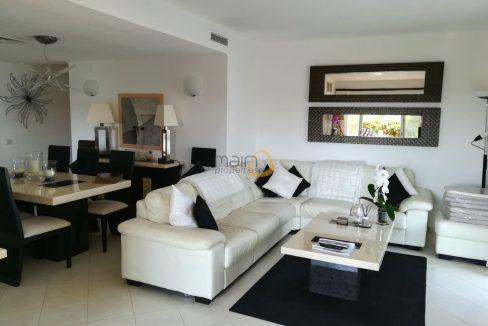 Apartamento com 2 quartos e piscina privada em Vale do Lobo PC352