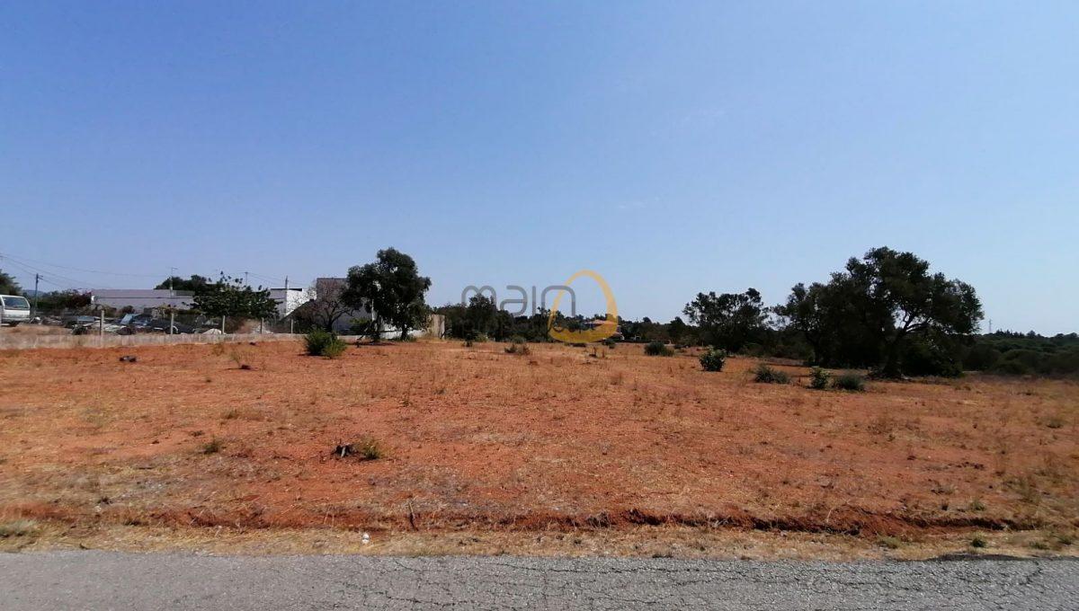 Terreno para construção de Moradias / Apartamentos / Condomínio a sul de Almancil MP122_123FT
