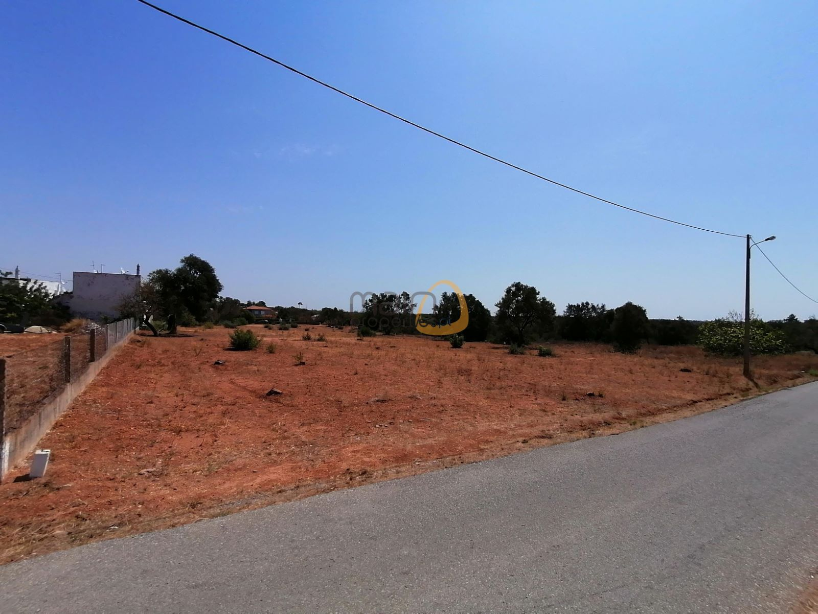 Terreno para construção de Moradias / Apartamentos / Condomínio a sul de Almancil
