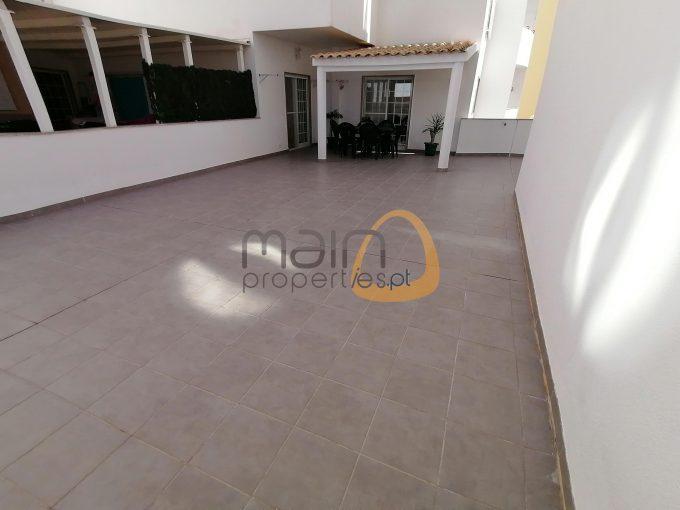 Apartamento com 4 quartos e um grande terraço, no centro de Faro :: AB001 - terraço