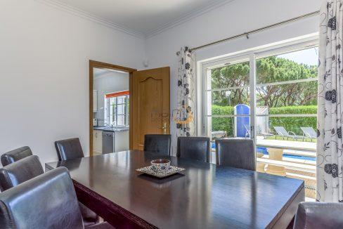[:pt]villa-in-quinta-jacintina-golden-triangle-algarve-portugal-07[:en]4 bedroom linked villa with private pool at Quinta Jacintina : Golden Triangle : Almancil : Algarve : Portugal :: Dinning Room :: MainProperties :: PC356[:]