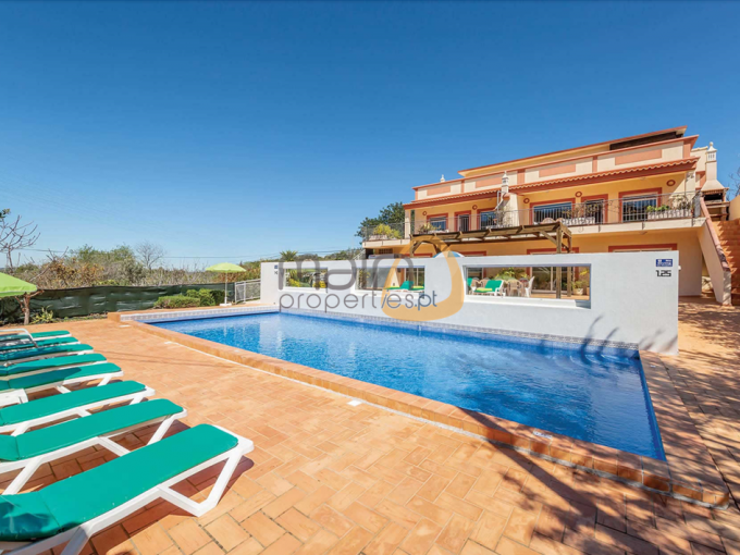 2 houses with 3 bedrooms each and private pool in Estói - Faro : Algarve : Portugal :: Piscina :: MainProperties :: MR040