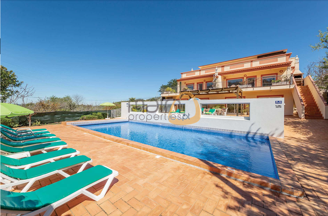[:pt]1[:en]2 houses with 3 bedrooms each and private pool in Estói - Faro : Algarve : Portugal :: Piscina :: MainProperties :: MR040[:]
