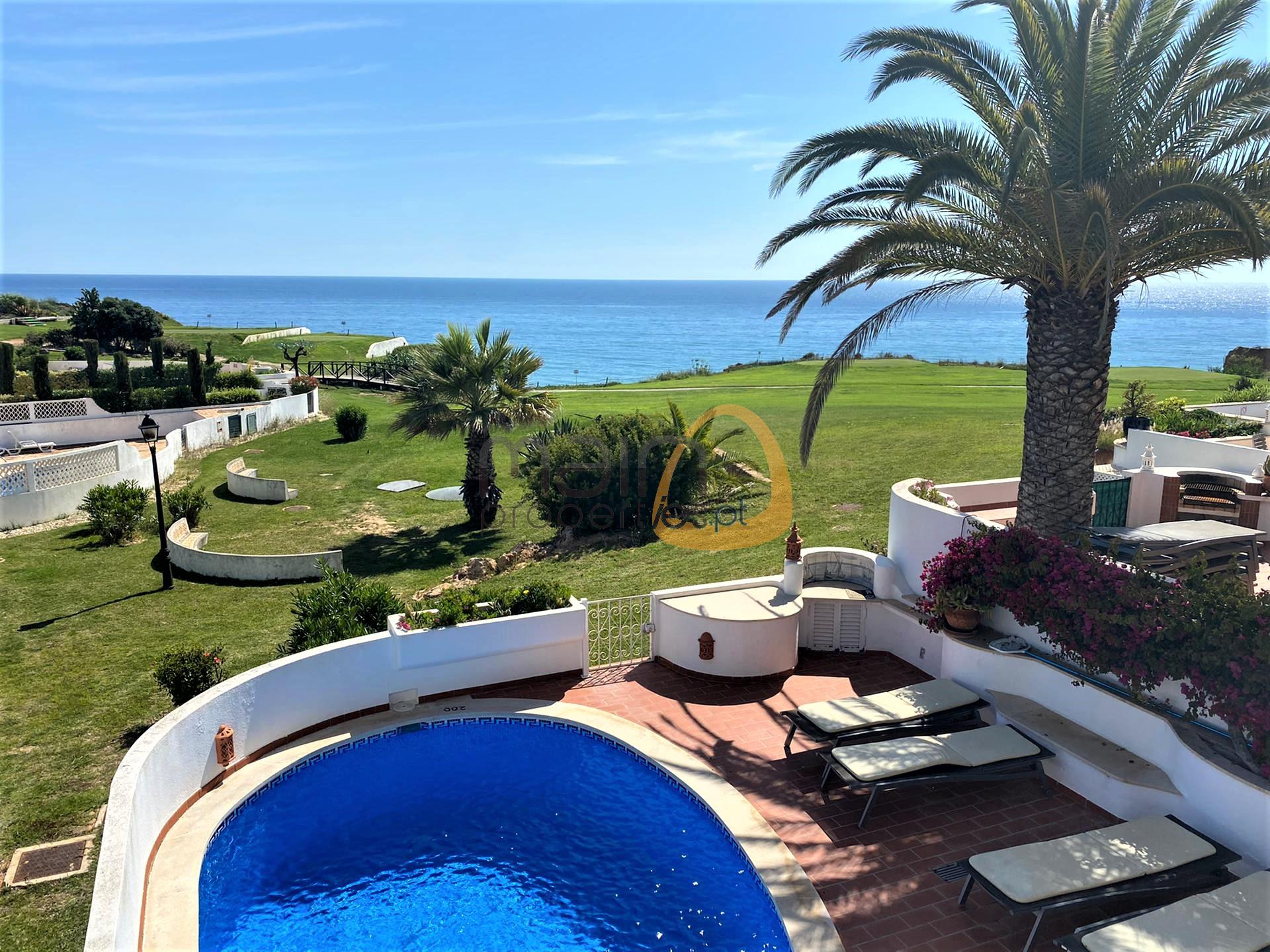3 bedroom house with golf and sea view in Vale do Lobo