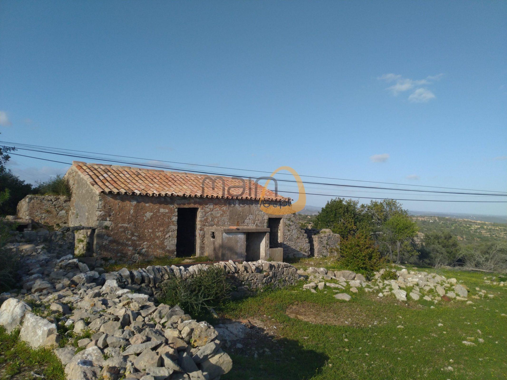 [:pt]IMG_20200305_163357[:en]MainProperties :: Land for villa construction in Estói :: MR046[:]