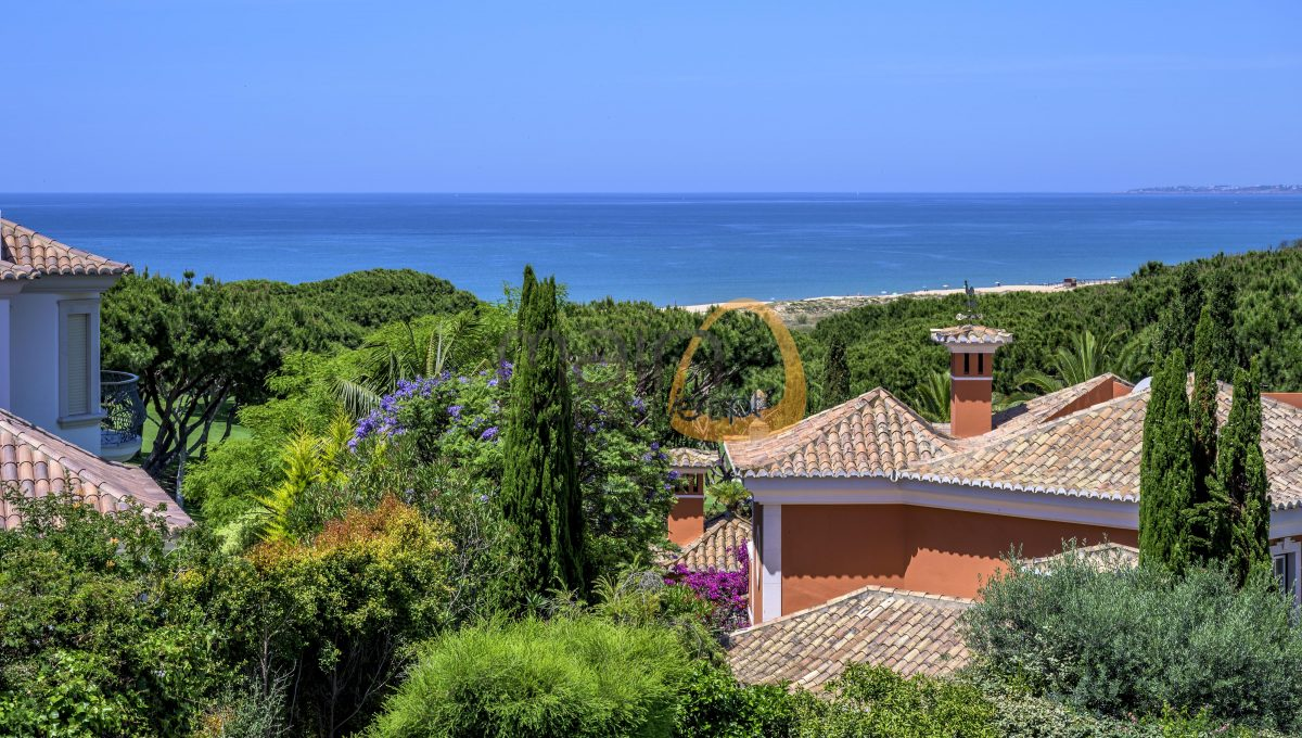 luxury-villa-in-vale-do-lobo-golden-triangle-algarve-portugal-with-sea-view-01