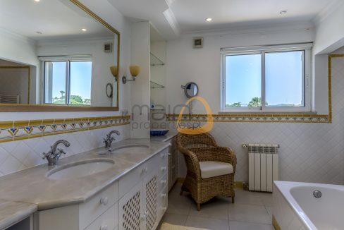 luxury-villa-in-vale-do-lobo-golden-triangle-algarve-portugal-with-sea-view-014