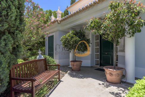 luxury-villa-in-vale-do-lobo-golden-triangle-algarve-portugal-with-sea-view-015