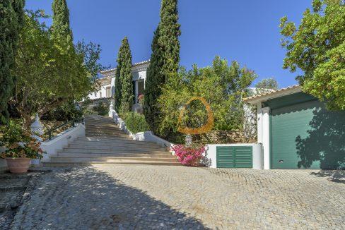 luxury-villa-in-vale-do-lobo-golden-triangle-algarve-portugal-with-sea-view-016