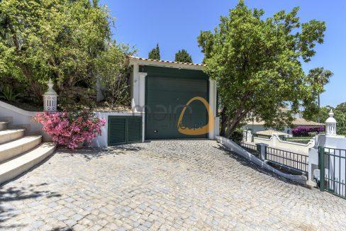 luxury-villa-in-vale-do-lobo-golden-triangle-algarve-portugal-with-sea-view-017