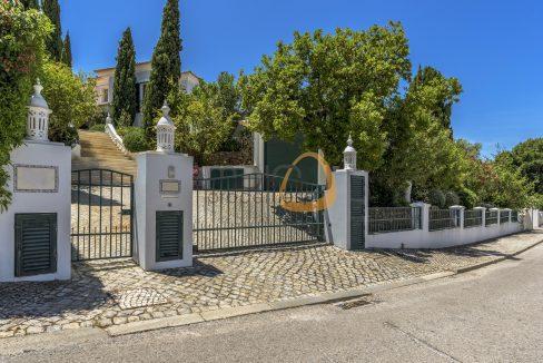 luxury-villa-in-vale-do-lobo-golden-triangle-algarve-portugal-with-sea-view-018