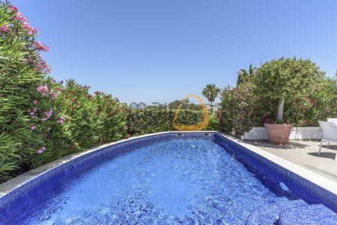 luxury-villa-in-vale-do-lobo-golden-triangle-algarve-portugal-with-sea-view-02