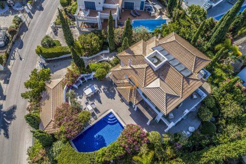 [:pt]luxury-villa-in-vale-do-lobo-golden-triangle-algarve-portugal-with-sea-view-024[:en]3 bedroom villa with sea view in Vale do Lobo :: Aerial Views 2 :: MainProperties :: PC357[:]