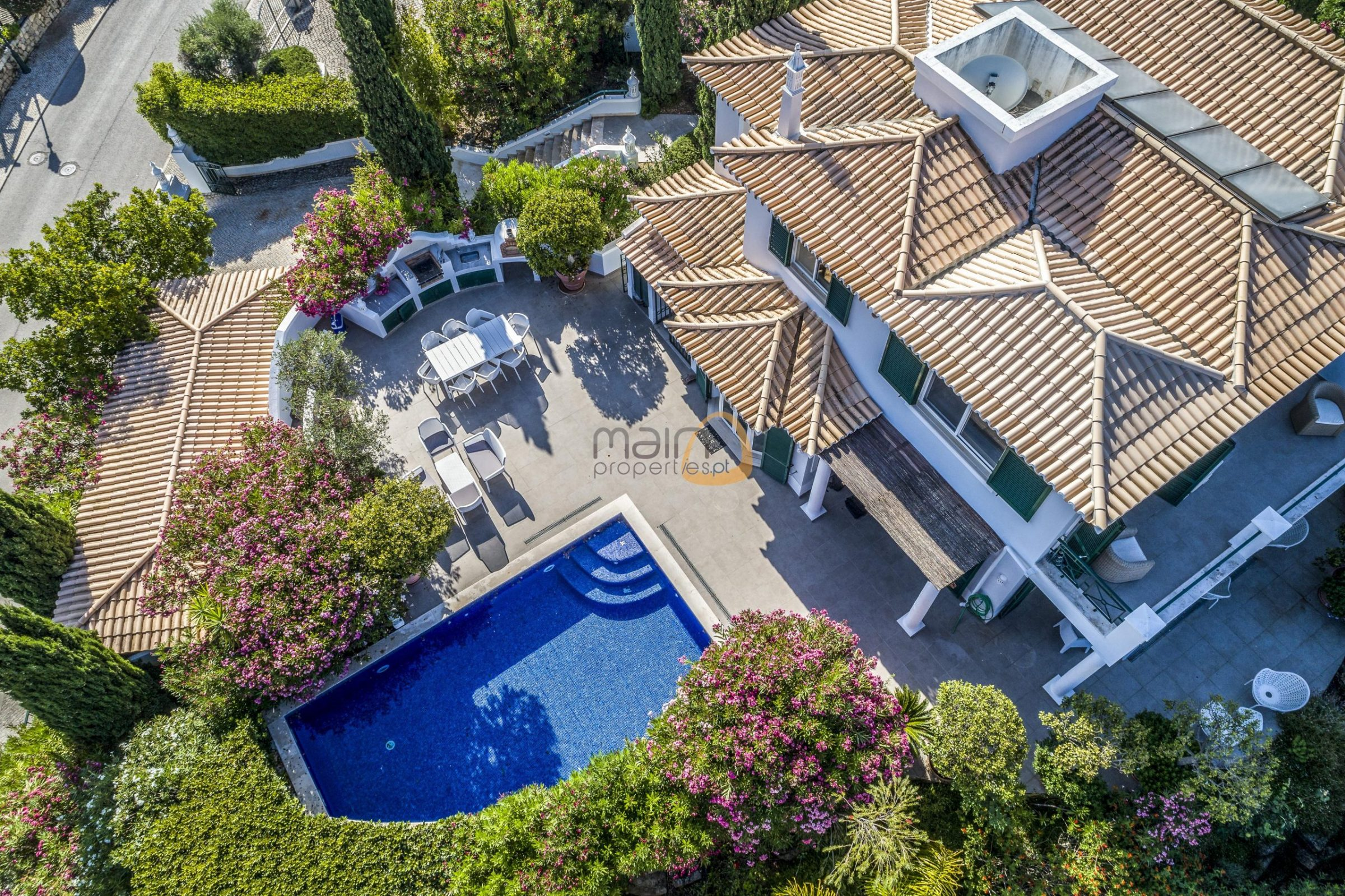 [:pt]Moradia de 3 quartos com vista mar em Vale do Lobo :: Vista Aerea :: MainProperties :: PC357[:en]3 bedroom villa with sea view in Vale do Lobo :: Aerial Views 1 :: MainProperties :: PC357[:]