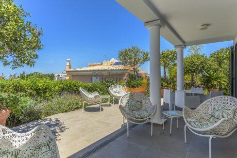 luxury-villa-in-vale-do-lobo-golden-triangle-algarve-portugal-with-sea-view-06