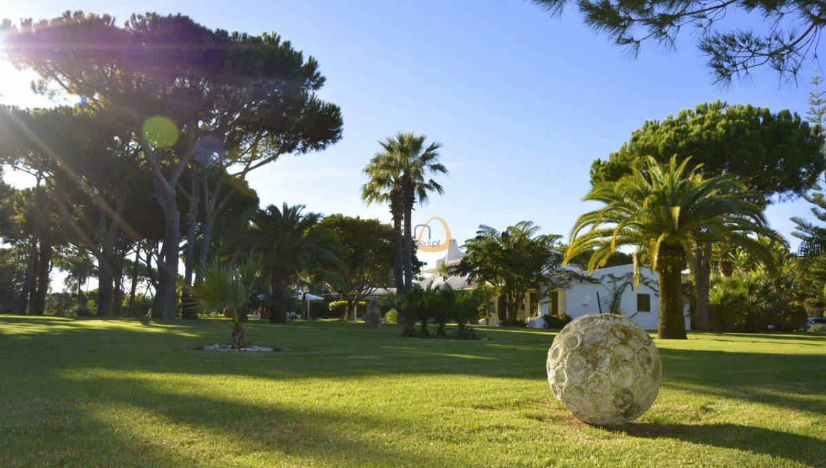 [:pt]Moradia com 5 quartos na Quinta do Lago :: Jardim 2 :: MainProperties :: 020061[:en]5 bedroom villa in Quinta do Lago :: Garden 1 :: MainProperties :: 020061[:]