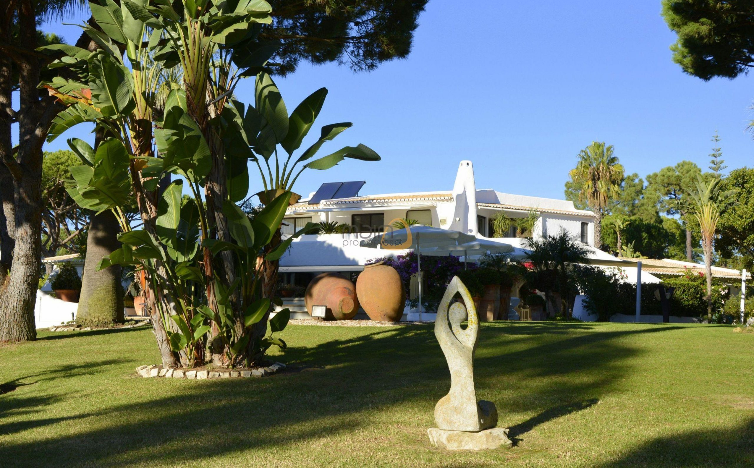 [:pt]Moradia com 5 quartos na Quinta do Lago :: Jardim 3 :: MainProperties :: 020061[:en]5 bedroom villa in Quinta do Lago :: Garden 2 :: MainProperties :: 020061[:]