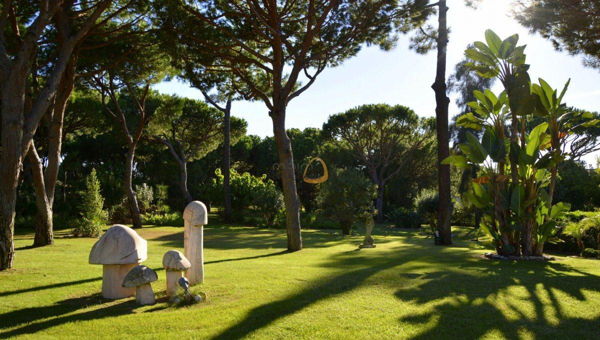 [:pt]Moradia com 5 quartos na Quinta do Lago :: Jardim 4 :: MainProperties :: 020061[:en]villa-quinta-do-lago-algarve-portugal-020061-09[:]