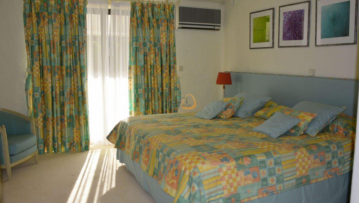 [:pt]Moradia com 5 quartos na Quinta do Lago :: Quarto 2 :: MainProperties :: 020061[:en]5 bedroom villa in Quinta do Lago :: Bedroom 2 :: MainProperties :: 020061[:]