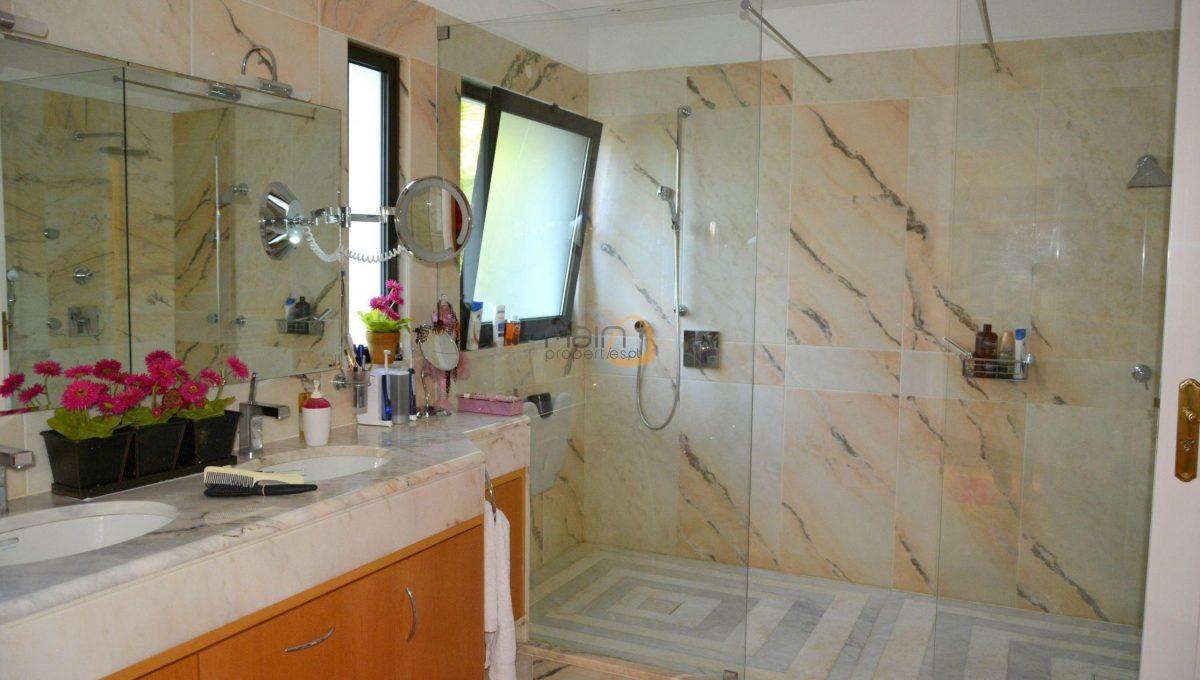 [:pt]Moradia com 5 quartos na Quinta do Lago :: Casa de Banho 1 :: MainProperties :: 020061[:en]5 bedroom villa in Quinta do Lago :: Bathroom 1 :: MainProperties :: 020061[:]