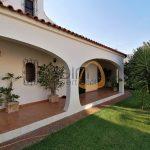Moradia de estilo tradicional com 6 quartos em Almancil :: CV003