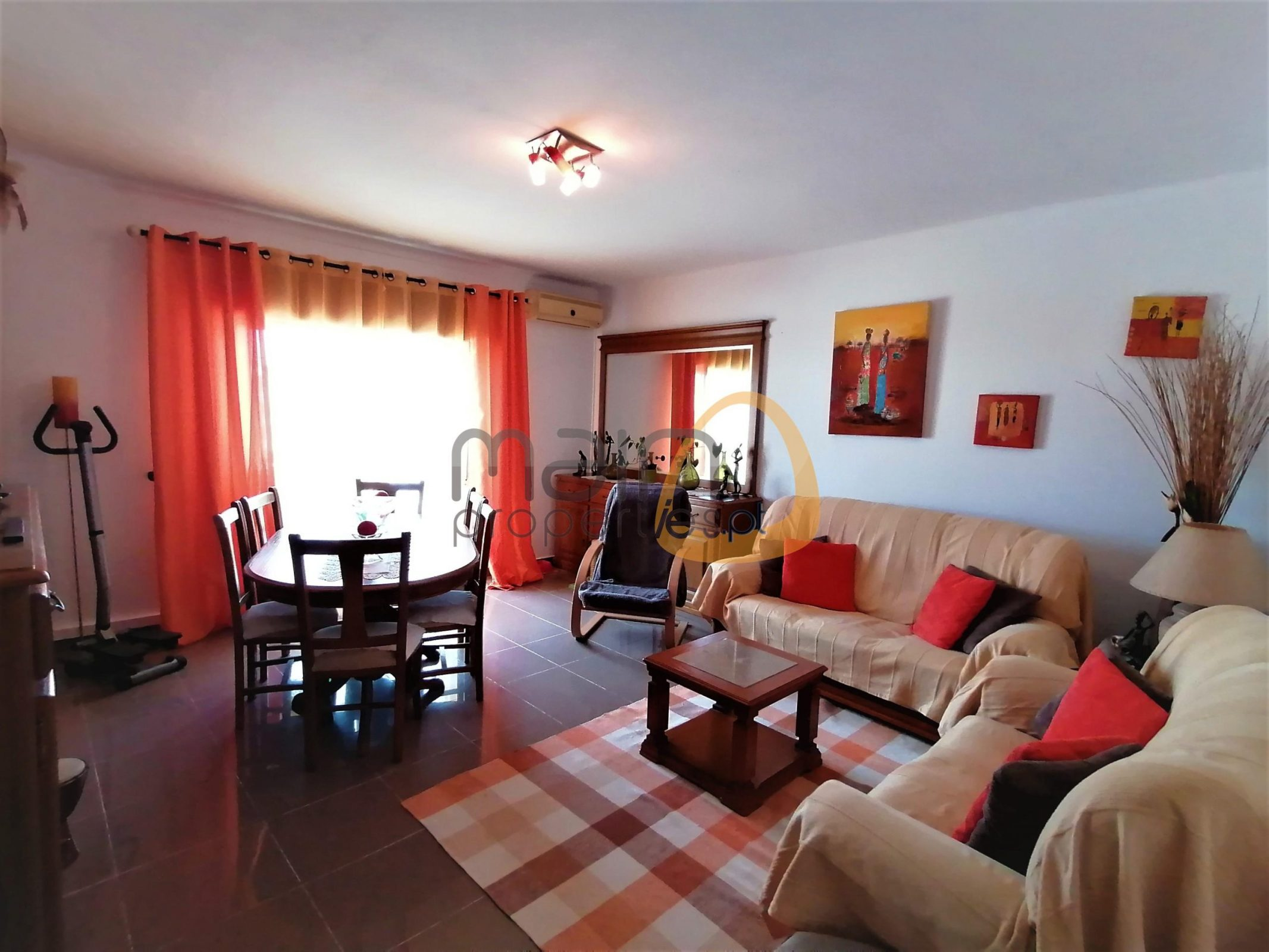 Spacious 3 bedroom apartment in Olhão