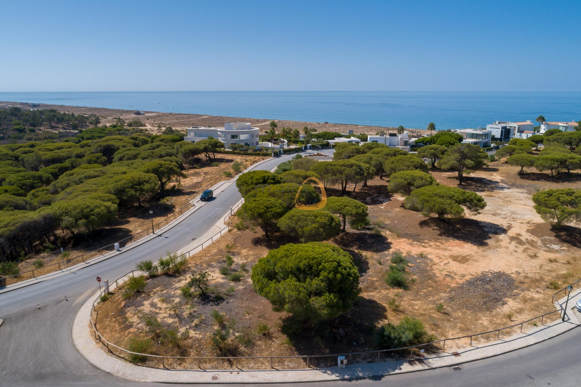 land-plot-villa-in-vale-do-lobo-golden-triangle-algarve-portugal-real-estate-property-mp141vdl-2