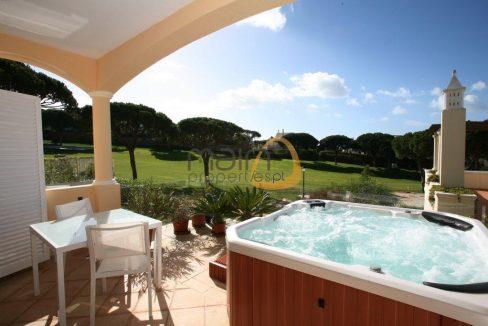 villa-in-vale-do-lobo-algarve-golden-triangle-portugal-property-real-estate-mainproperties-mp131vdl-1