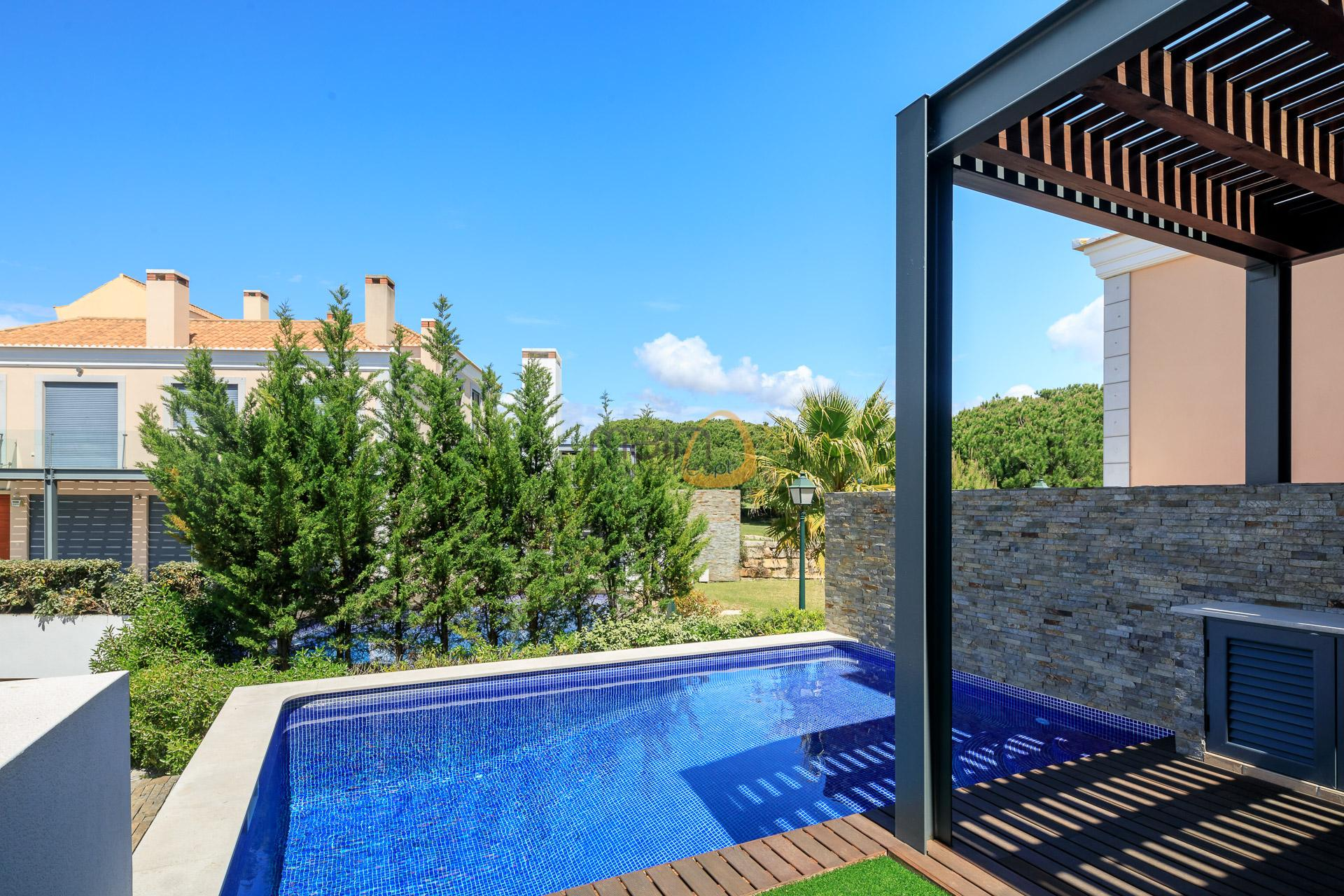 (English) 2 bedroom modern villa in Vale do Lobo