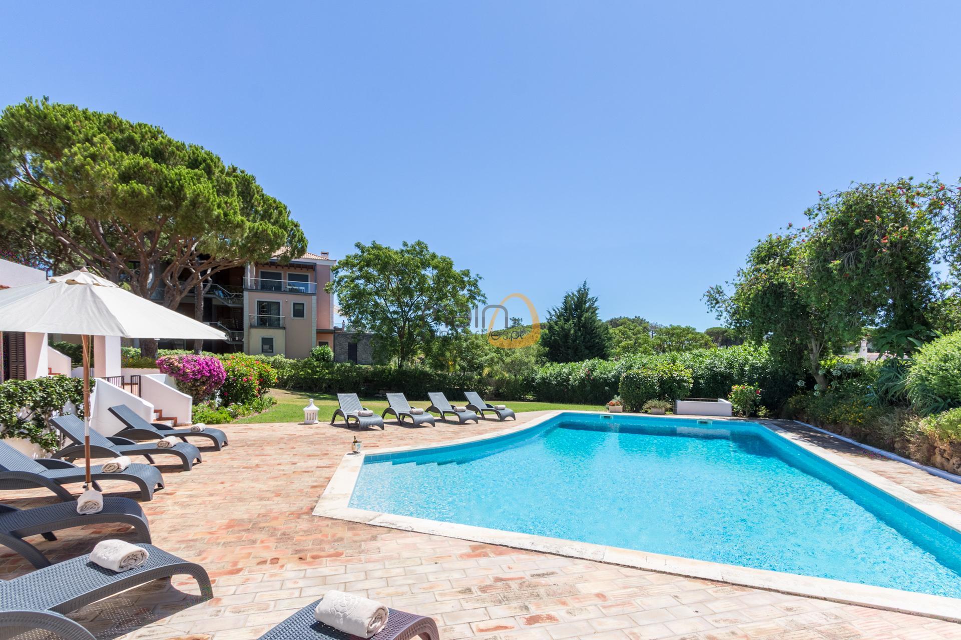villa-in-vale-do-lobo-algarve-golden-triangle-portugal-property-real-estate-mainproperties-mp139vdl-2