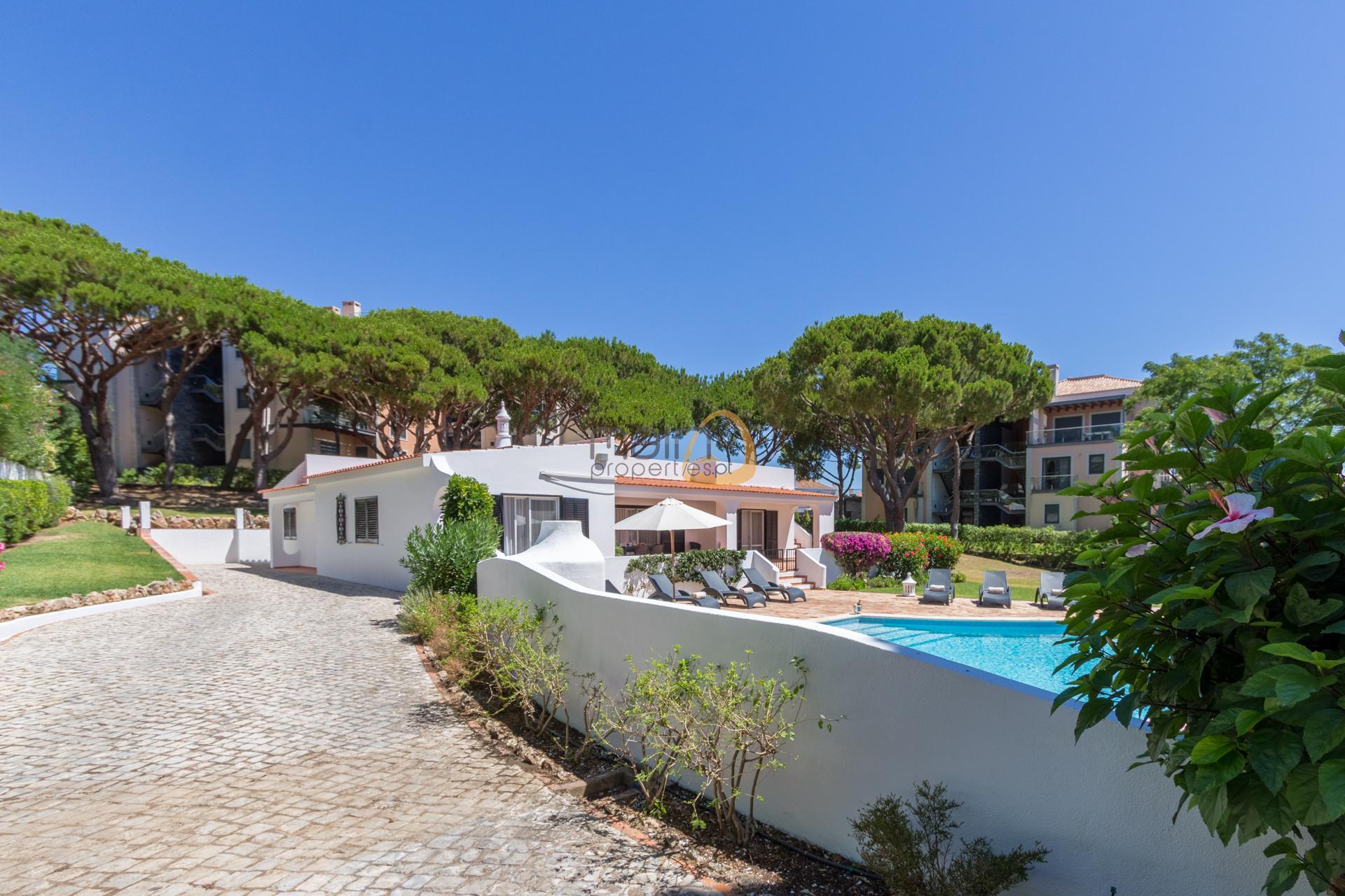 villa-in-vale-do-lobo-algarve-golden-triangle-portugal-property-real-estate-mainproperties-mp139vdl-3
