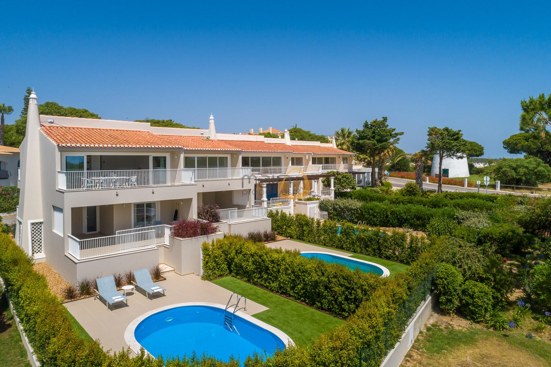 villa-in-vale-do-lobo-algarve-golden-triangle-portugal-property-real-estate-mainproperties-mp140vdl-0